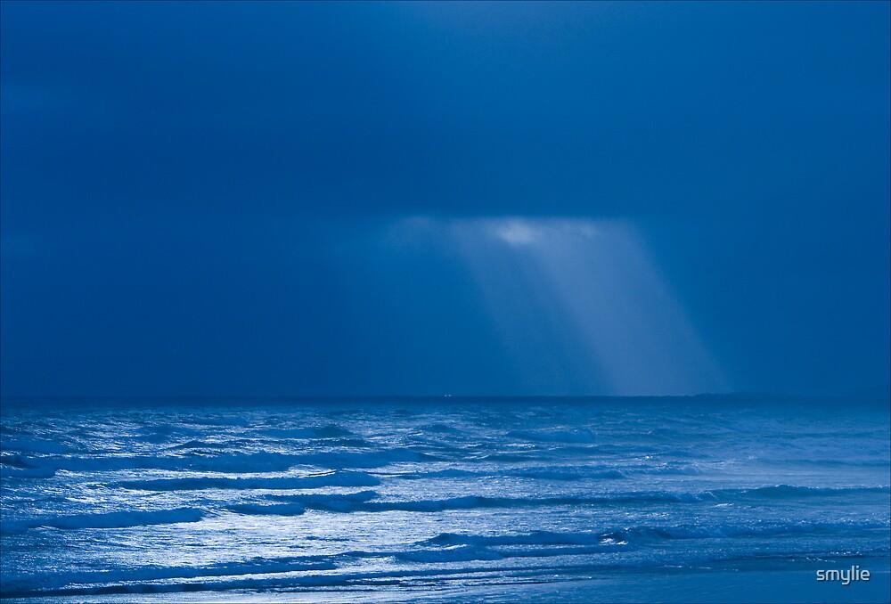 Blue Horizon by smylie