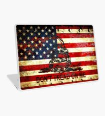 American Flag And Viper On Rusted Metal Door - Don't Tread On Me Laptop Skin