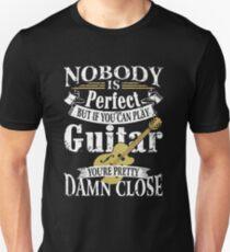 GUITAR - GUITARIST SHIRT Unisex T-Shirt