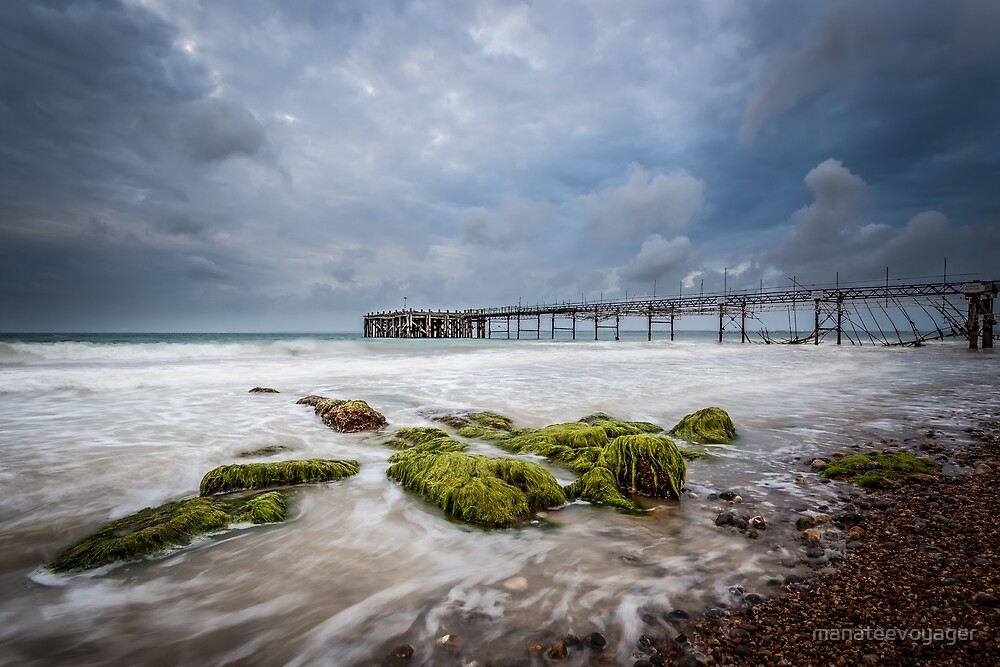 Totland Pier by manateevoyager