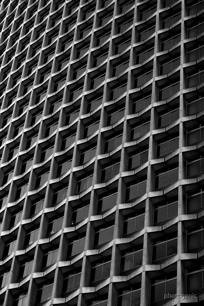 centre point in b&w by photogenic