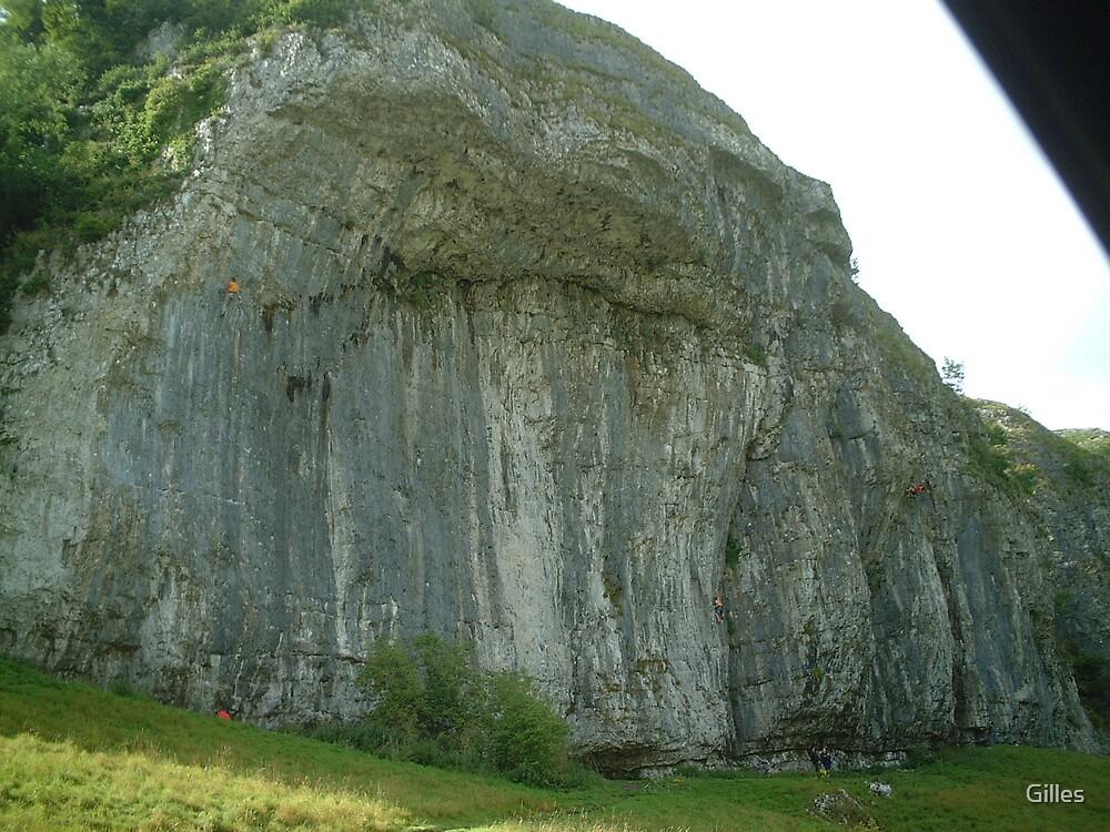 Kilnsey Crag by Gilles