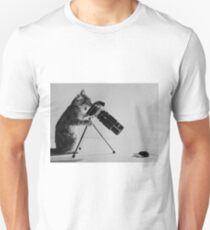 funny cat and mouse photograph Unisex T-Shirt