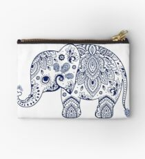 Blaue Blumenelefant-Illustration Studio Clutch