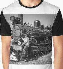 Old engine 207 Graphic T-Shirt