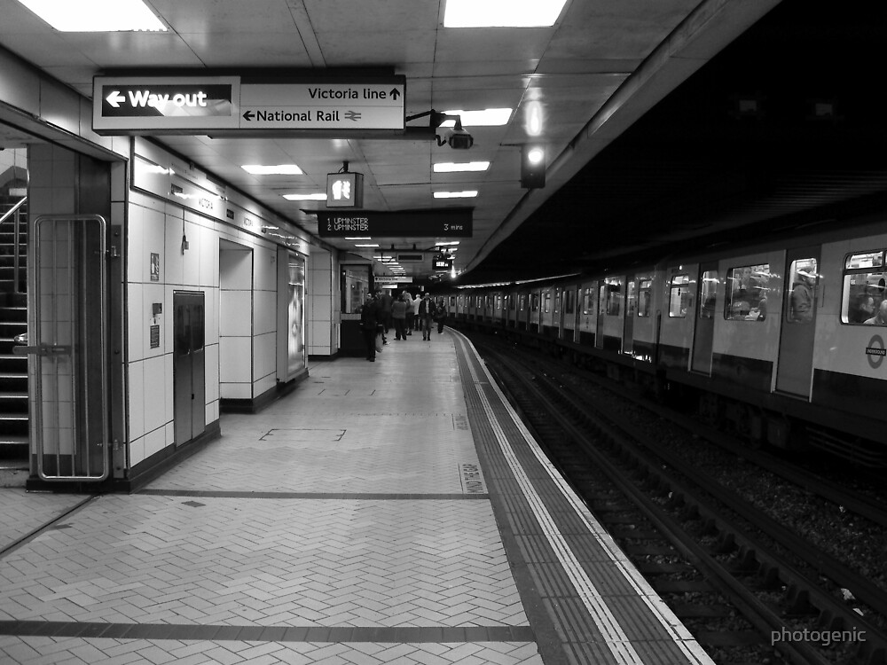 the commute 2 - london underground by photogenic