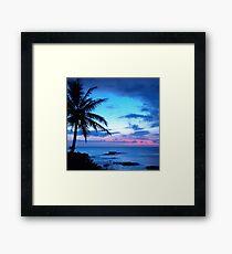 Tropische Insel-hübsche rosa blaue Sonnenuntergang-Landschaft Gerahmter Kunstdruck