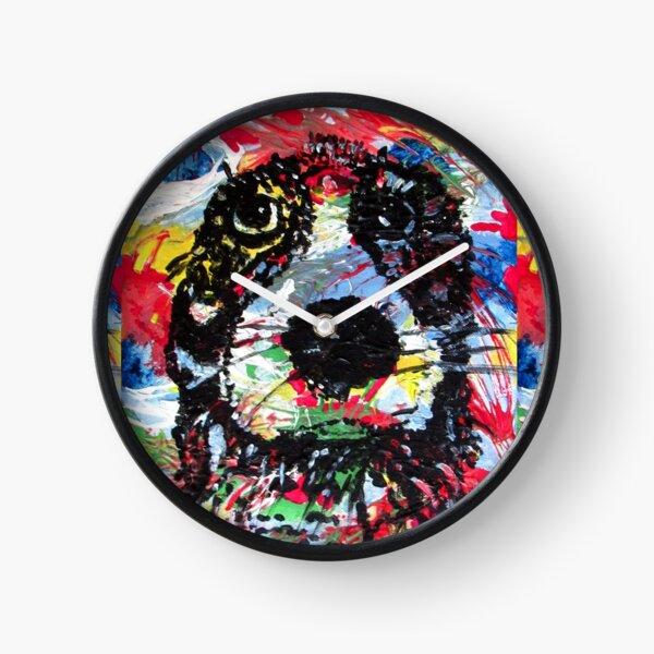 colorful  dog - Hund farbenfroh - dicke Fellnase - nass geworden - not amused Uhr