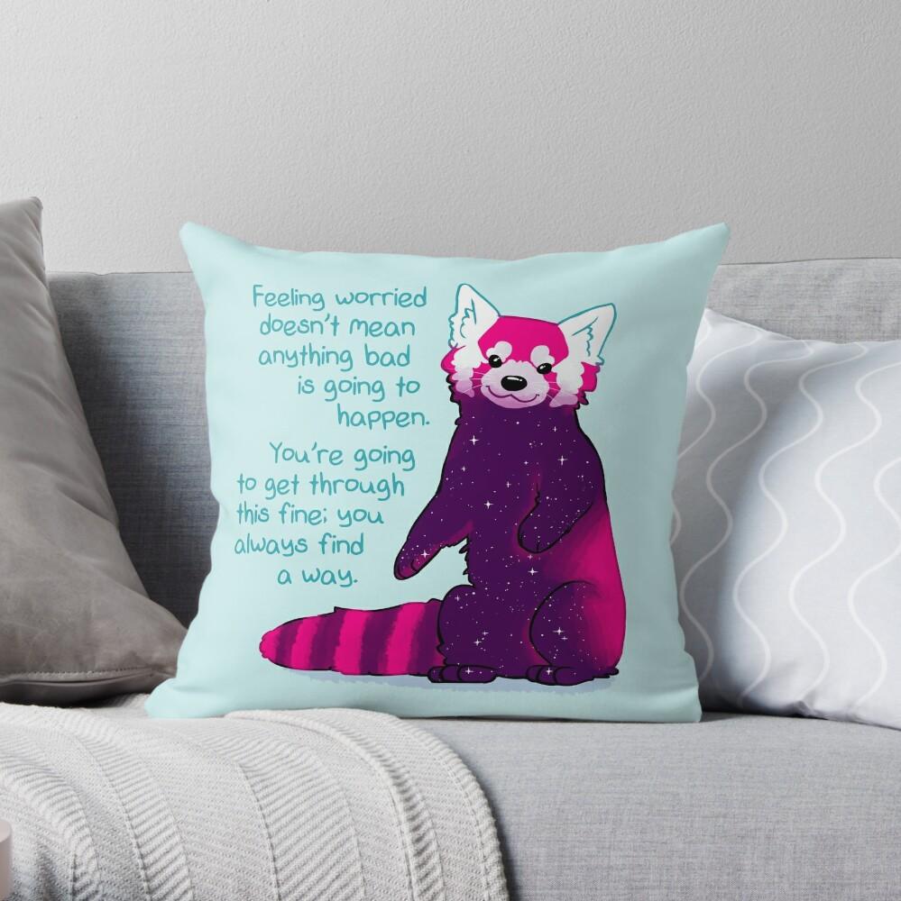 """""""Sentirse preocupado no significa que algo malo vaya a suceder"""" Galaxy Red Panda Cojín"""