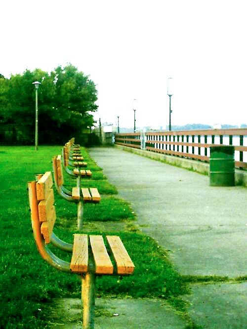 """""""Park Bench"""" by lostXhopeX88"""