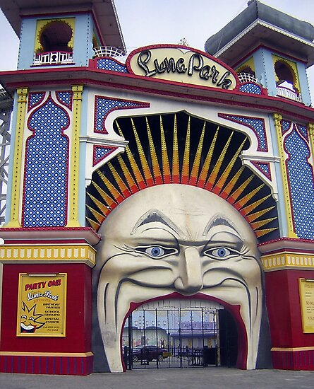Photograph : Luna Park, Just for Fun!  St. Kilda, Melbourne by Roz McQuillan