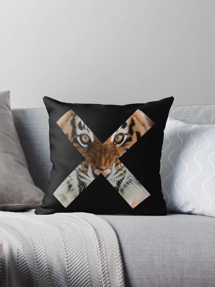 Creature Cross (Hunting Tiger) - Black by GeorgeOC