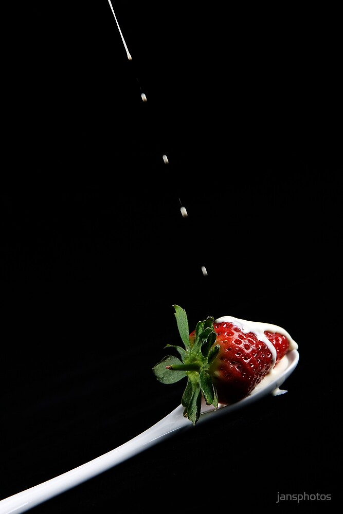 Strawberry and Cream by jansphotos