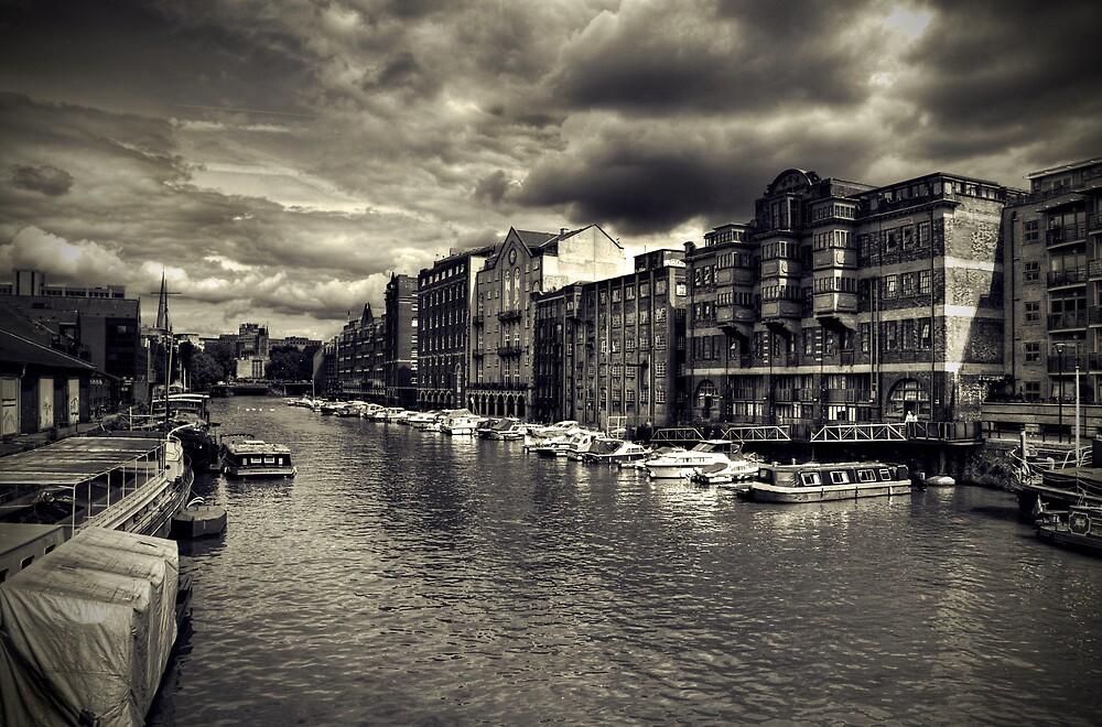 Bristol Docks by Alan Watt