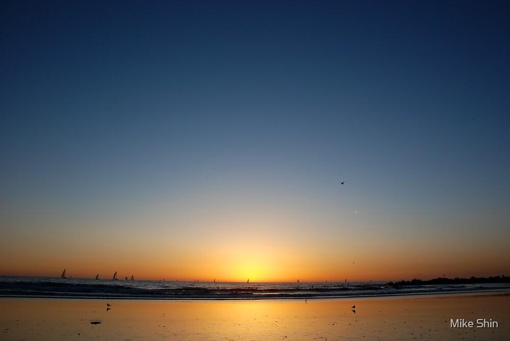 Big blue sky by Mike Shin