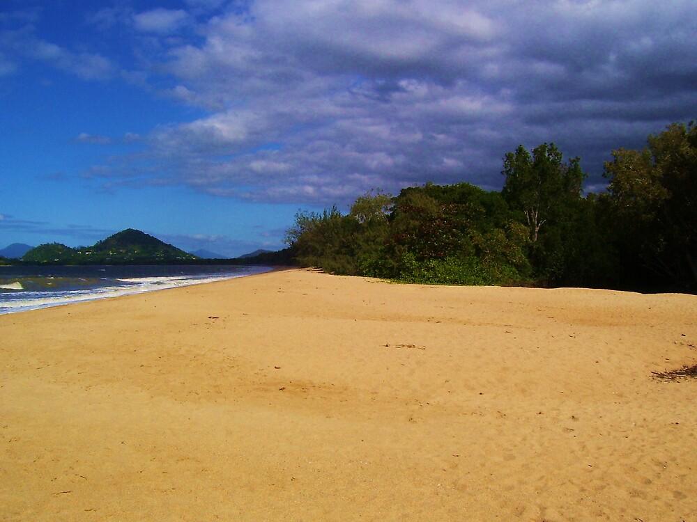 Beautiful Beach by xXDarkAngelXx