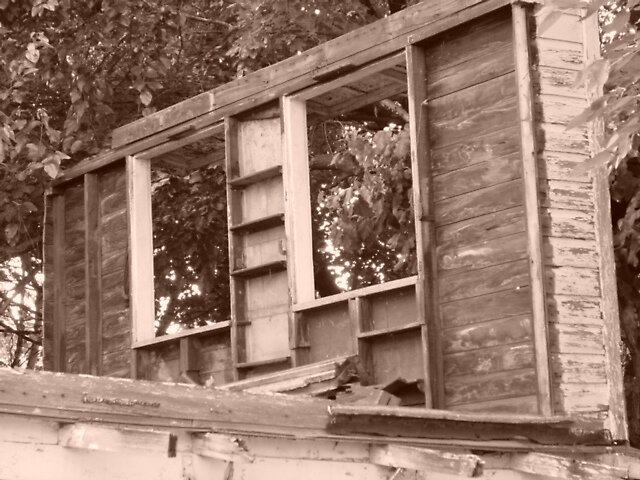 Sepia Barn by suelucat