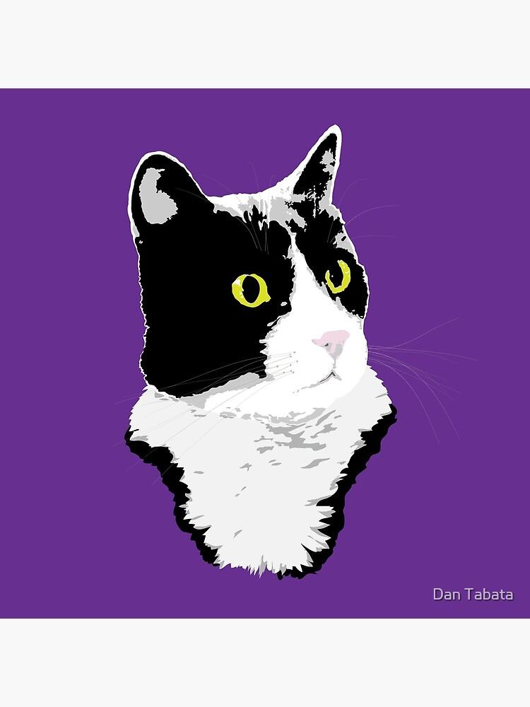 Regal Tuxedo Kitty by dmtab