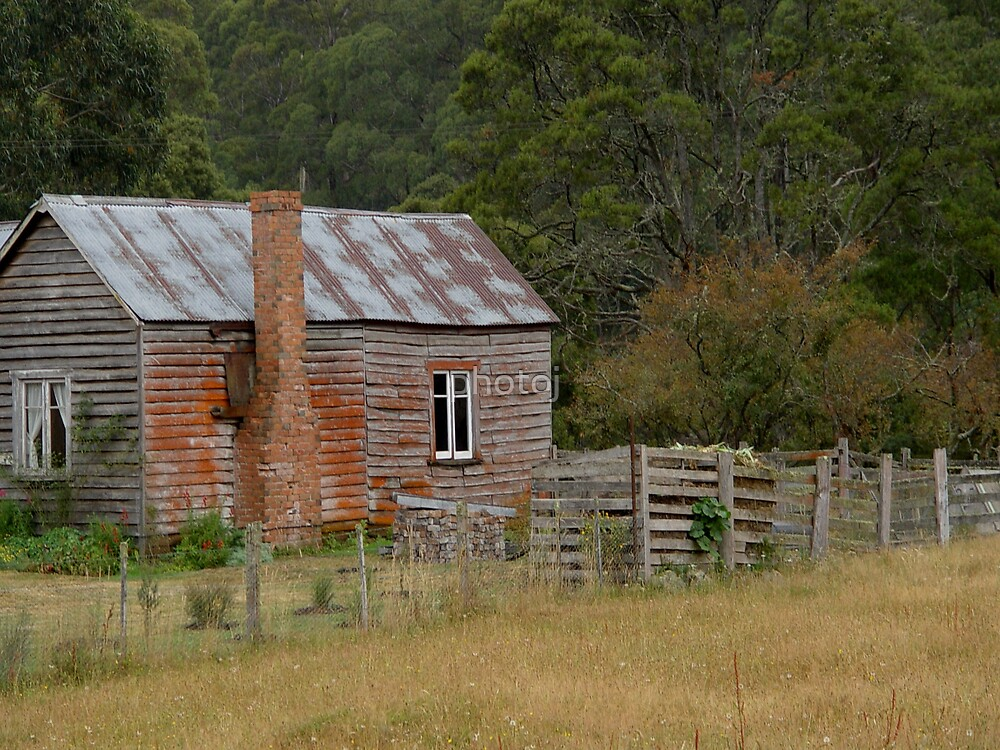 photoj Tas Wooden Cottage by photoj