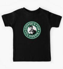 Kaffee ist für Closers Parodie Kinder T-Shirt