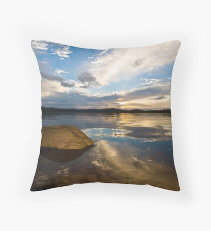 Sunrise over Lake Wivenhoe Throw Pillow