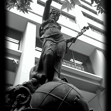 Statue at Pitt Street by zeevat