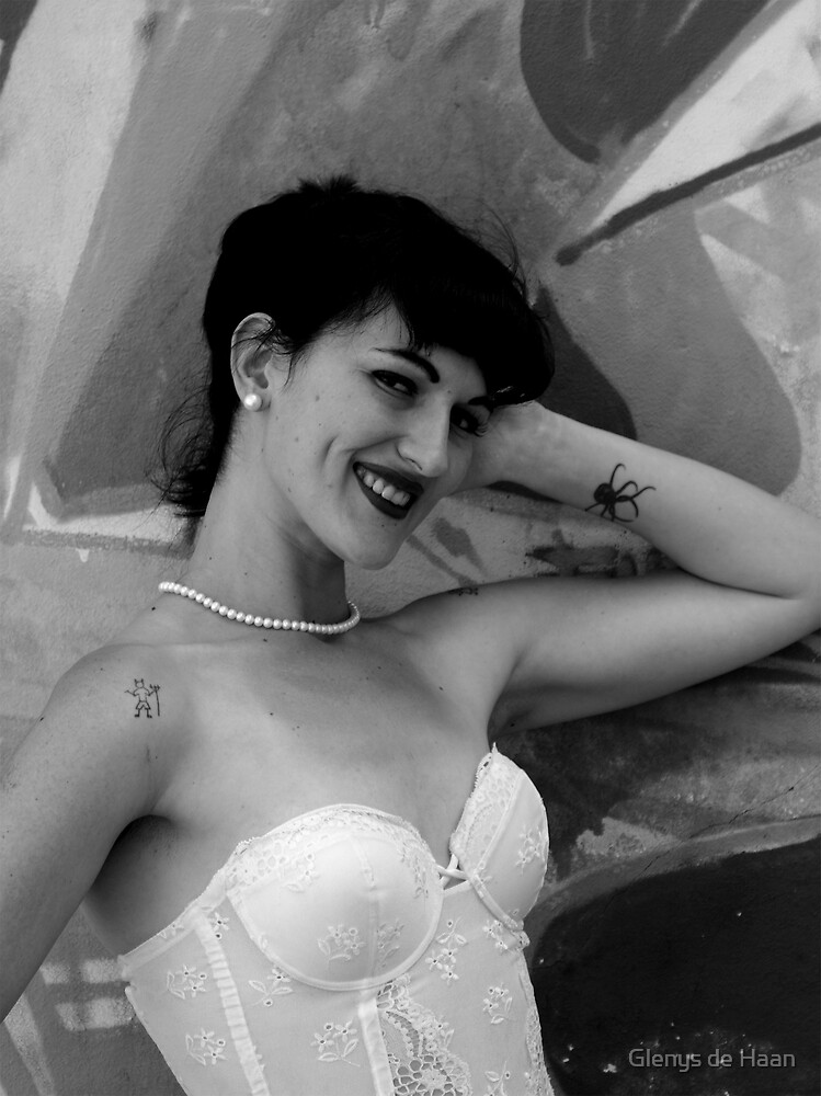 Tribute to Bettie Page by Glenys de Haan