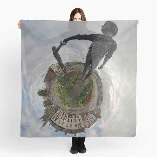 Hands Across the Divide, Derry Scarf