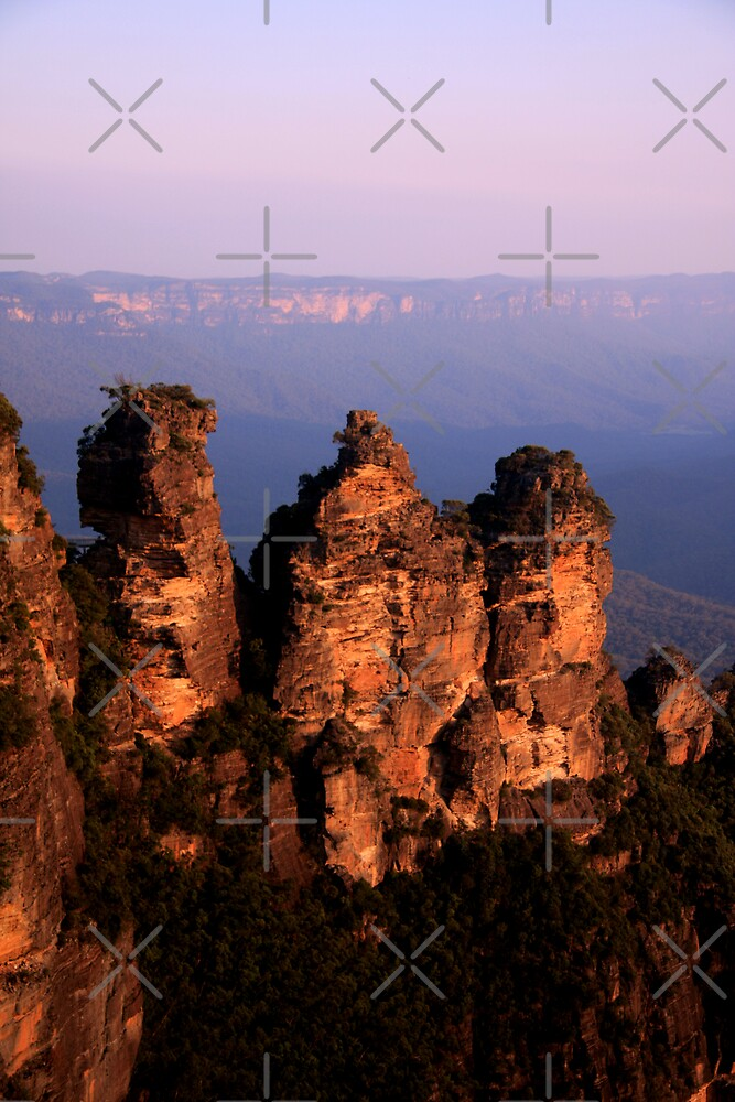 Three Sisters by Varinia   - Globalphotos