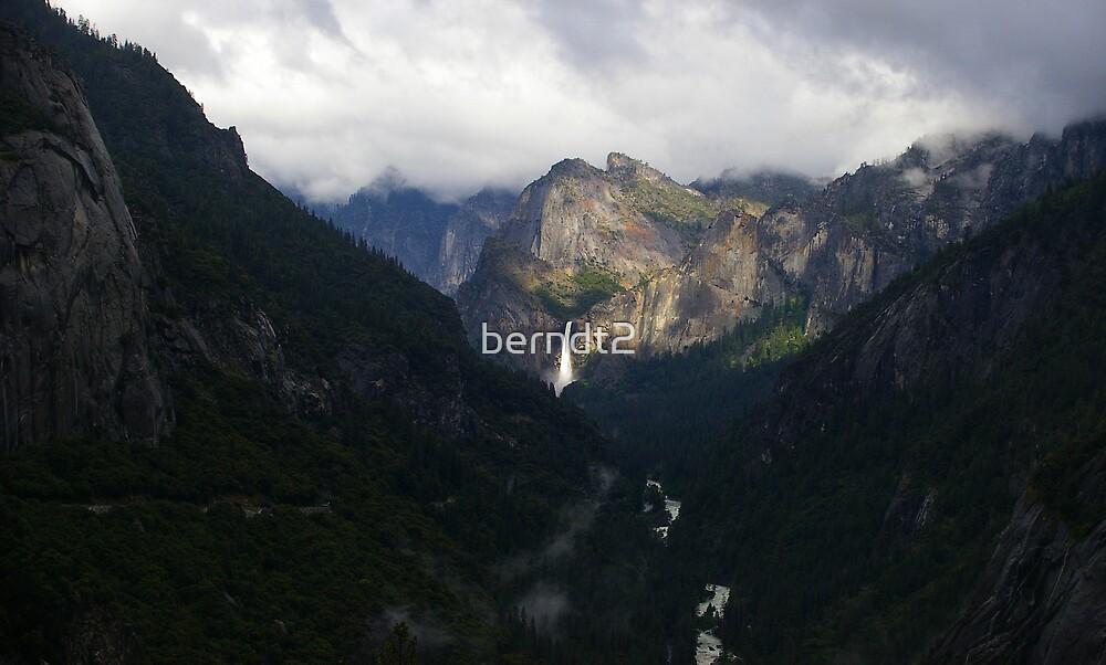 Yosemite Falls (Far) by berndt2