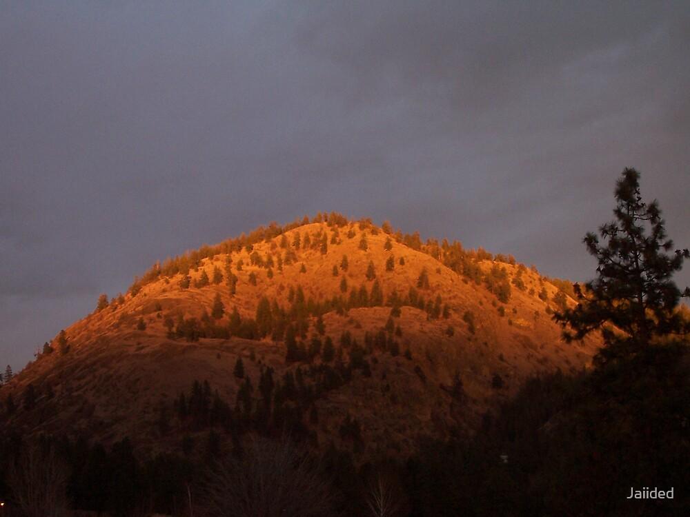 Boucherie Mountain by Jaiided