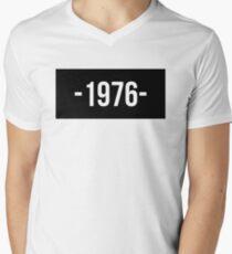 1976 Men's V-Neck T-Shirt