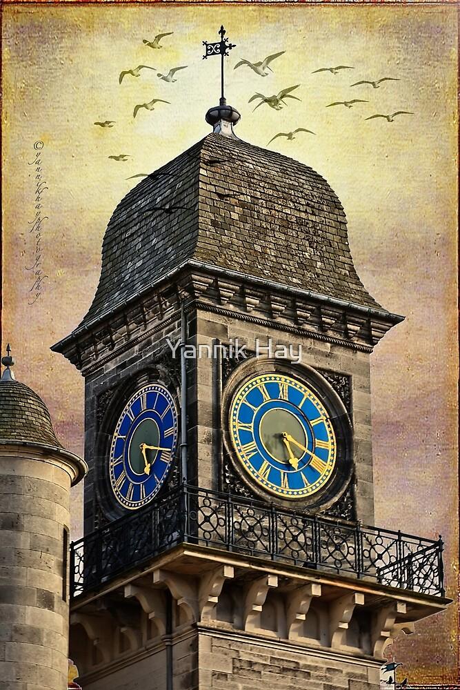 Dunrobin Castle Clock (Golspie, Sutherland, Scotland) by Yannik Hay