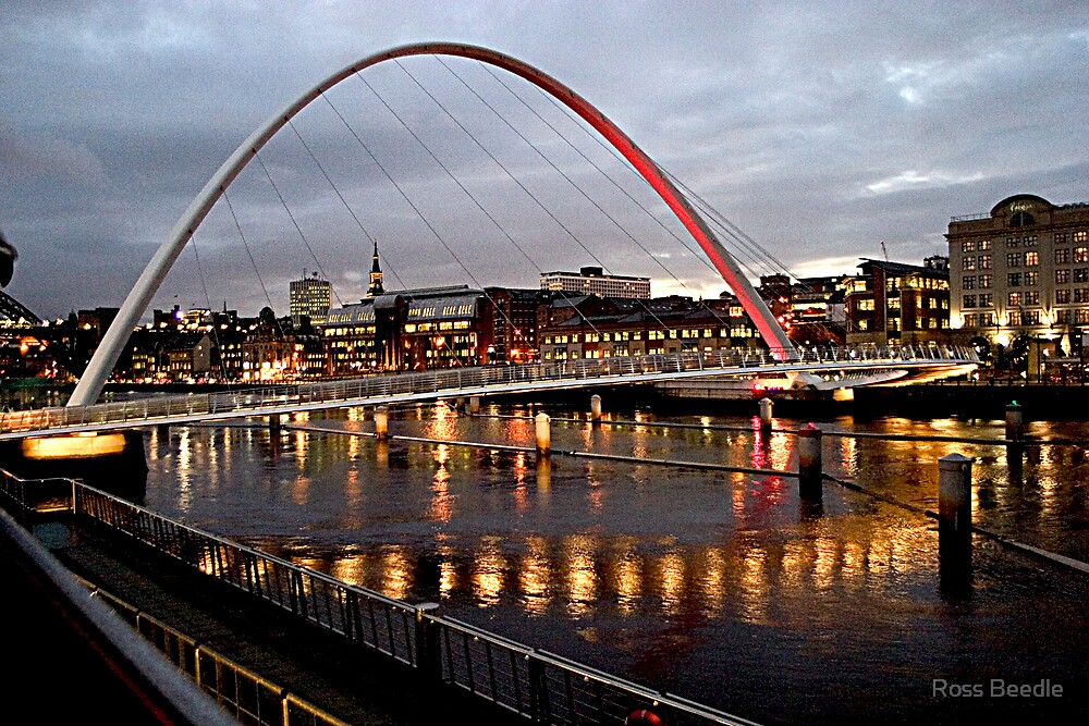 Millenium Bridge Newcastle on tyne at night by Ross Beedle
