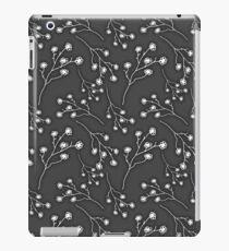 Baby's Breath Flower Pattern - Black iPad Case/Skin