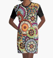 Color & Curvy Art - 4 Graphic T-Shirt Dress