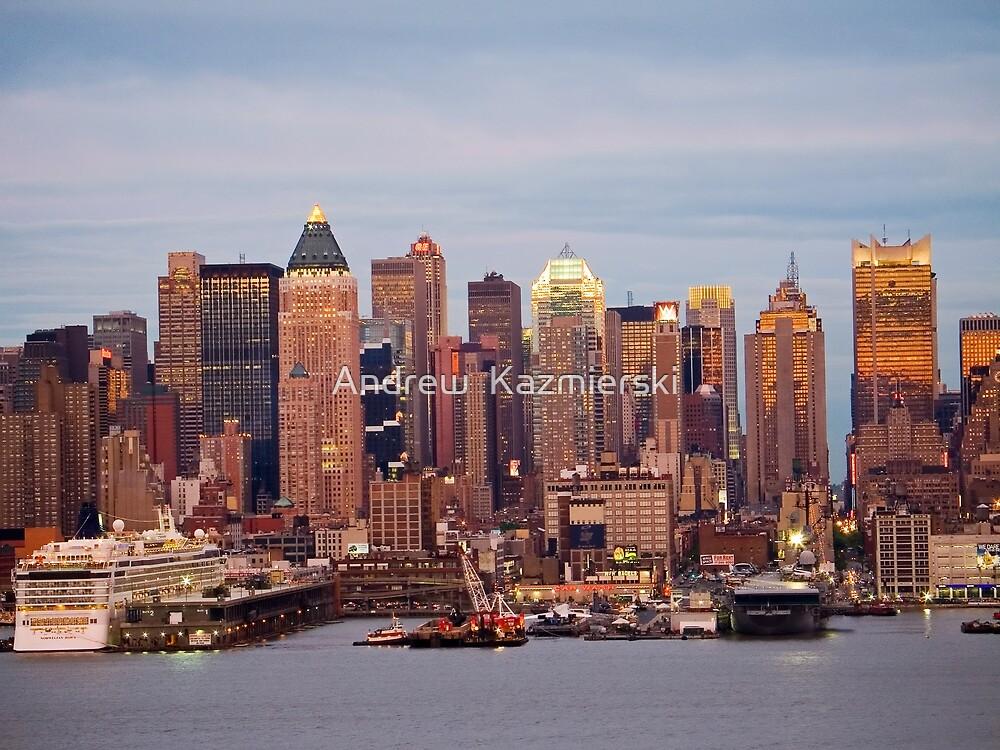Twilight Manhattan by andykazie