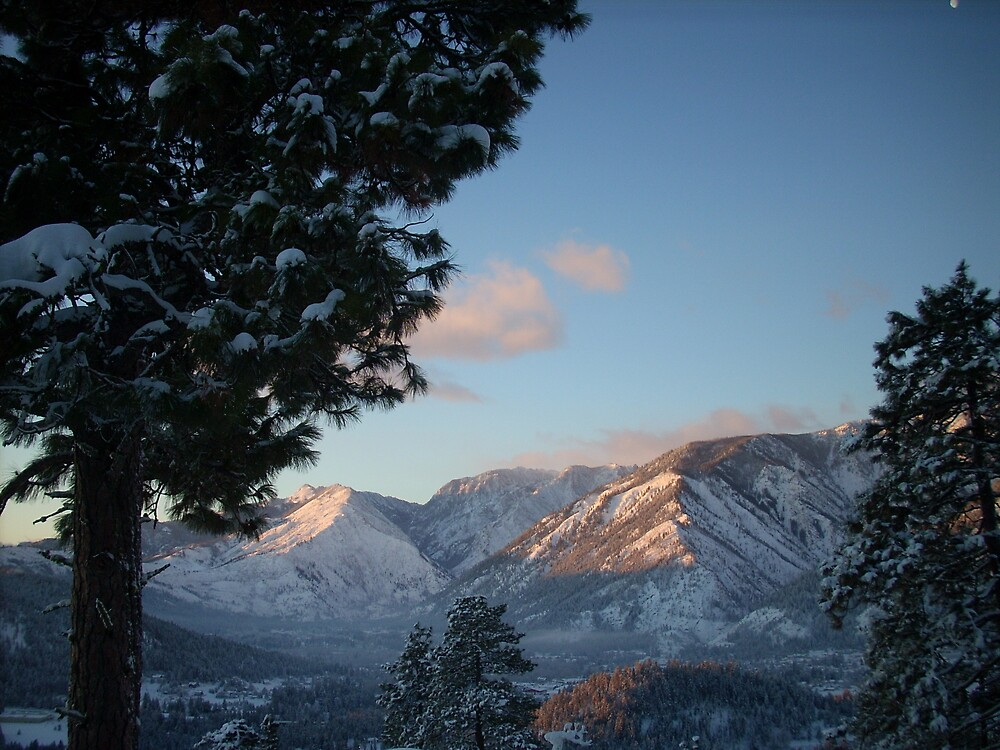 Sun's Up in Leavenworth by canucklepuck