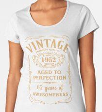 Golden Vintage Limited 1952 Edition - 65th Birthday Gift Women's Premium T-Shirt