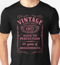 Pink Vintage Limited 1977 Edition - 40th Birthday Gift Unisex T-Shirt