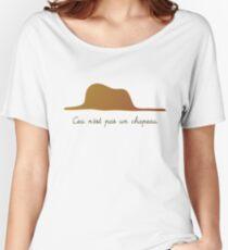 Ceci n'est pas un chapeau v.1 Women's Relaxed Fit T-Shirt