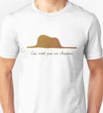 Ceci n'est pas un chapeau v.1 T-Shirt