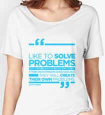 PHYSIOTHERAPIST - LIKE TO SOLVE PROBLEMS Women's Relaxed Fit T-Shirt