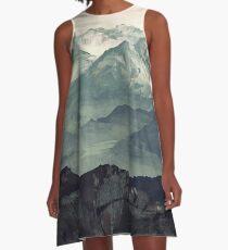 Berg Nebel A-Linien Kleid