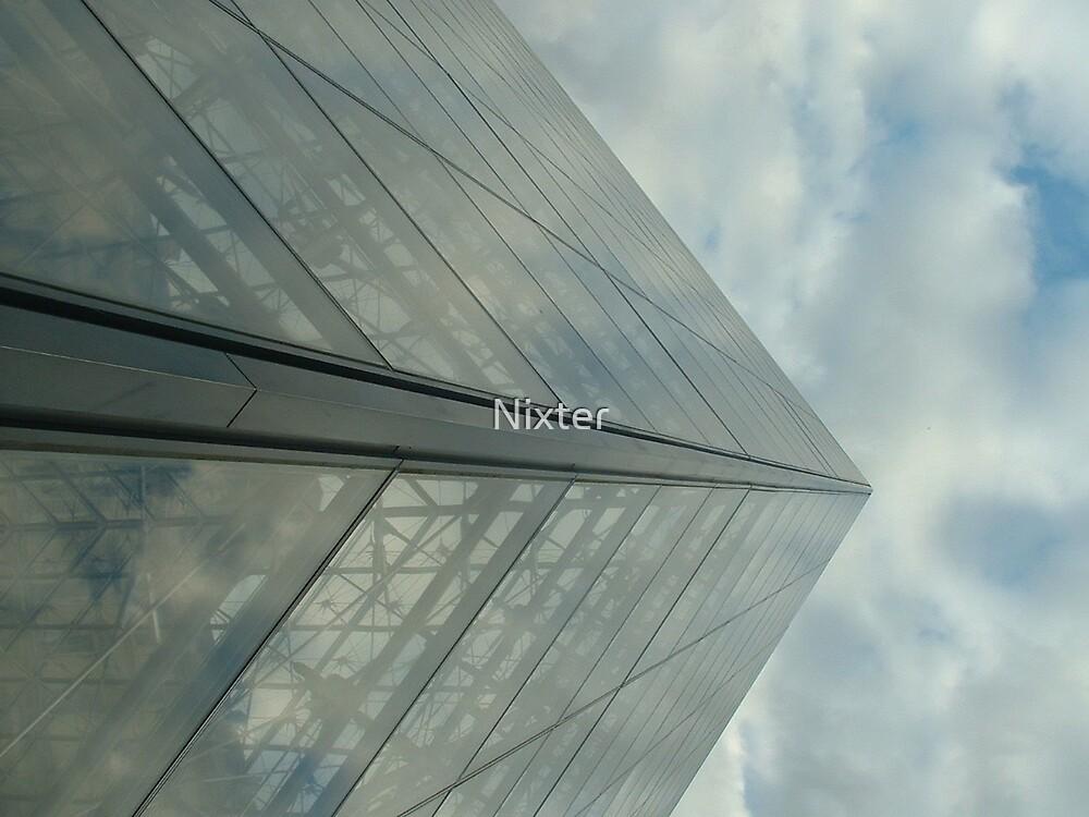 La pyramide de verre by Nixter