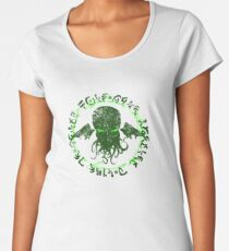 In his house at R'lyeh dead Cthulhu waits dreaming GREEN Women's Premium T-Shirt