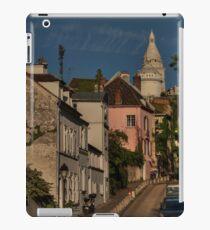 Paris - Montmartre Streetscape 002 iPad Case/Skin