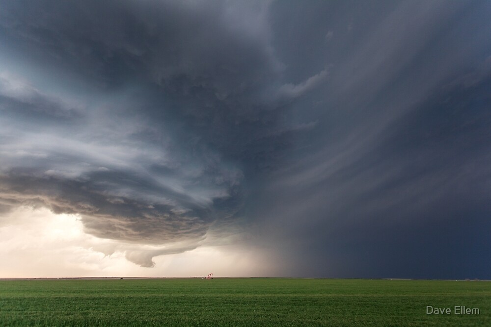 A supercell rolls over the plains of Kansas, USA by Dave Ellem
