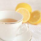 Lemon Tea. by Lyn  Randle