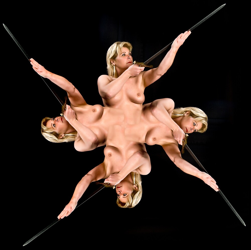 Martine met zwaard by tintinian